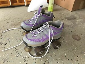 Lady's size 7 Roller Skates. NEW PRICE