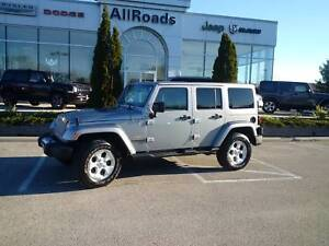 2015 Jeep Wrangler Unlimited Sahara Unlimited 4x4, low kms, new