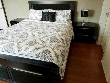 Queen bedroom suite (black)
