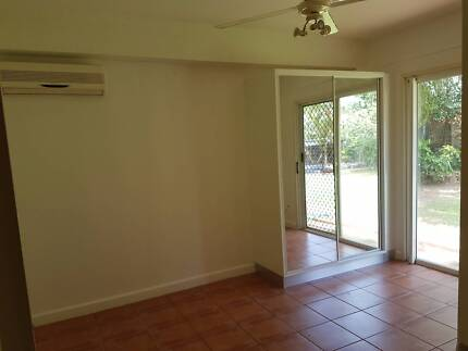 Room for Rent in a 5 bedroom House in Wulagi