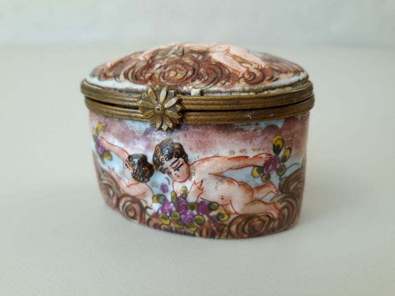Circa 1800s Antique Capodimonte Enamelled Porcelain Snuff Box