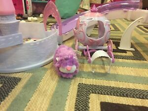 Zhu zhu pets Toy Hamster with princess castle and carriage