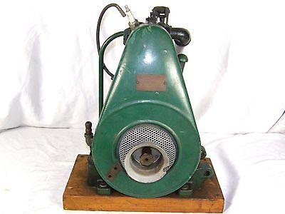 Antique Briggs Stratton Model Fh Straight Fin Engine Motor Hit Miss