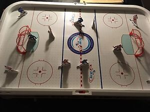 Air hockey table Canada vs USA