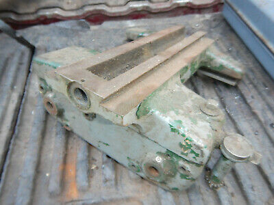 Vintage Small Atlas Metal Lathe Carriage Casting W Threading Dial