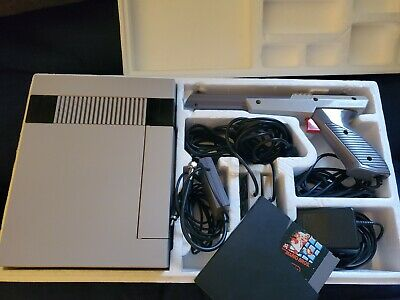 Nintendo Entertainment System NES Action Set Console Complete In Box RARE