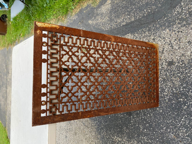 "OLD VTG ANTIQUE CAST IRON 32"" X 17 1/2""  LARGE HEATING FLOOR GRATE VENT REGISTER"