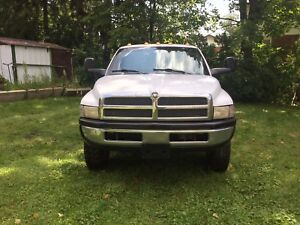 2000 Dodge Ram 3500 ***Certified and E-tested***