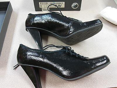 Kenneth Cole REACTION Women's Oxford Dress Shoes Pumps Heels Black 10 Kenneth Cole Oxford Heels