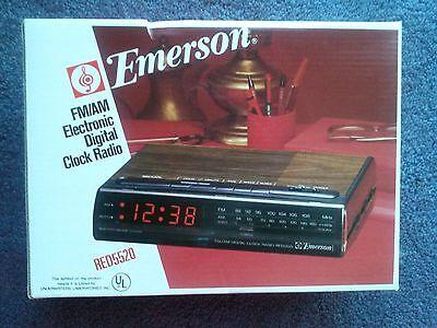 Vintage Emerson FM/AM  Electronic Digital Clock Radio Part no. -162336, RED5520