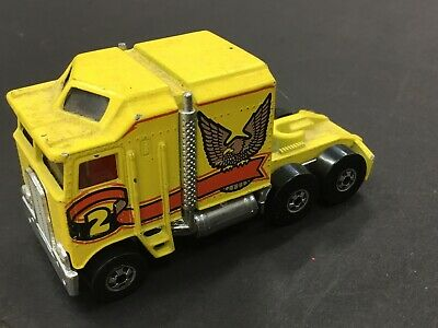 Hot Wheels Mattel 1982 Yellow Cab 6 Wheel Truck Thunder Roller Eagle Cab-Over