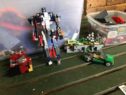 BARGAIN!!! Lots of original LEGO.