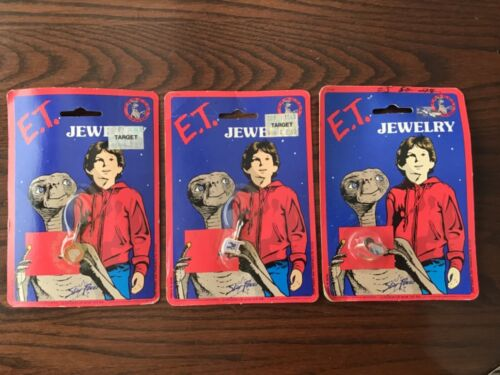 E.T. Jewelry - 3 Sealed On Card - Vintage 1982 Aviva Star Power Charms & Ring