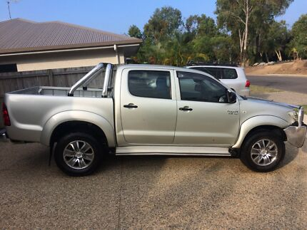 Toyota hilux factory alloys and tyres 15 inch 17 inch mag wheels