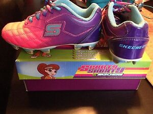 Kids soccer shows - child size 12.5 and 1
