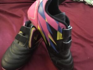 Girl's soccer cleats