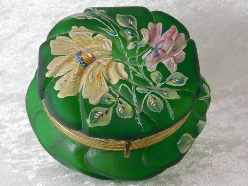 ATQ CF MONROE WAVECREST GREEN SATIN GLASS POWDER DRESSER JEWELRY TRINKET BOX