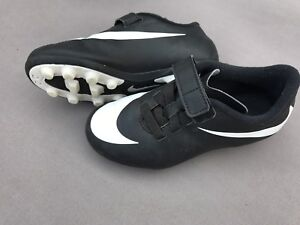Toddler boy Nike soccer cleats. Size 11