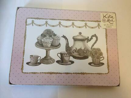 SET OF 6 KATIE ALICE CUPCAKE COUTURE CORK BACK PLACEMATS