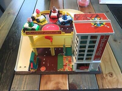 Fisher Price Parking Ramp Service Center Play Set 1970s