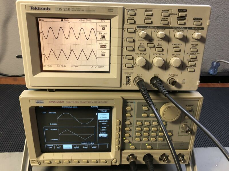 Tektronix AWG2021 Arbitrary Waveform Generator AWGN