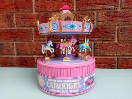 Vintage 1997 Musical Carousel Music Box