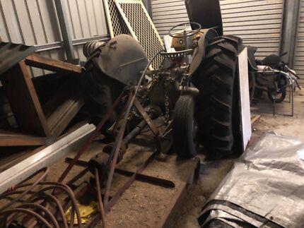 Tractor & Slasher Fergy TE20 Tamborine Ipswich South Preview
