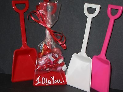 JEAN'S PLASTICS PARTY SUPPLIES GIFT