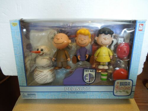 New Memory Lane A Charlie Brown Christmas Peanuts Figure Collection  #7719