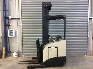 Crown RR5220 RR Series Reach Forklift Beresfield Newcastle Area Preview