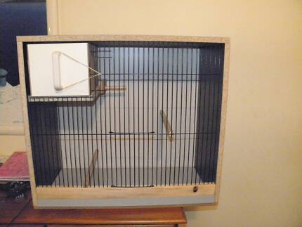 Budgie breeding cabinet 24x18 with pull out nest