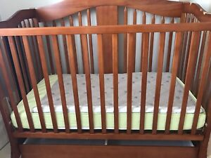 $50 Crib!!! Includes clean mattress and bedding!!!