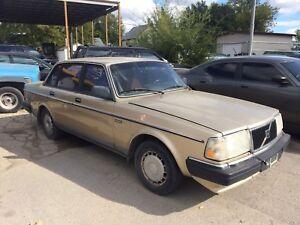 1988 Volvo 240 DL ~ GREAT SHAPE, SAFETIED!!