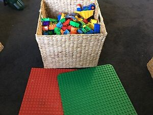 Duplo bulk lot and mats Safety Bay Rockingham Area Preview