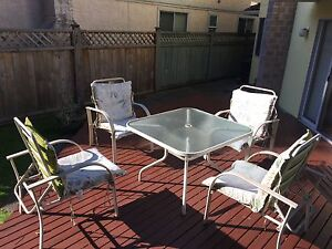 Patio / Garden Set - glass top table w/ 4 chairs & cushions