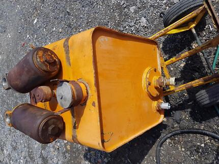 Hydraulic oil tank with  2 filters off excavator