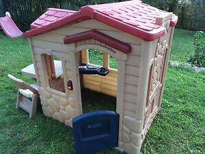 Little Tikes Picnic on the Patio Cubby House Ferny Hills Brisbane North West Preview