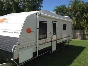 Caravan-near new 6berth Nova family caravan