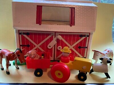 Fisher Price Barn with animals 1986 - incomplete