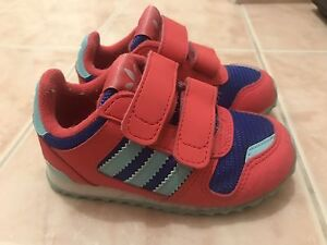 Adidas Kids Retro Style Trainer - Us 6c Mount Hawthorn Vincent Area Preview