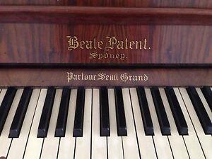 FREE PIANO NEED GONE ASAP Hamilton Newcastle Area Preview