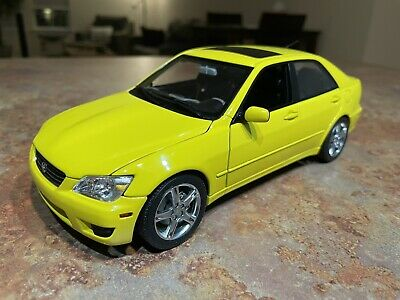1/18 Lexus Is300 Yellow Autoart Diecast Model Car Used -See Description