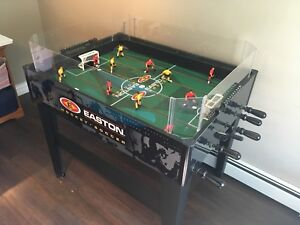 Hockey / Soccer foosball table