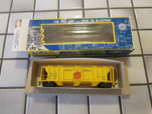 vintage AHM WARPS PLASTIC covered hopper car HO scale ////