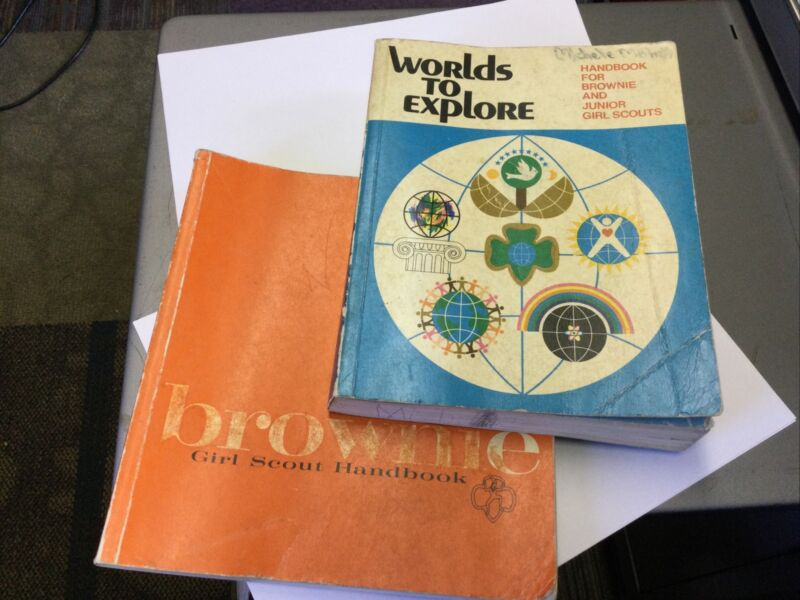 2 Books WORLD TO EXPLORE HANDBOOK FOR BROWNIE AND JUNIOR GIRL SCOUTS 1977 1975