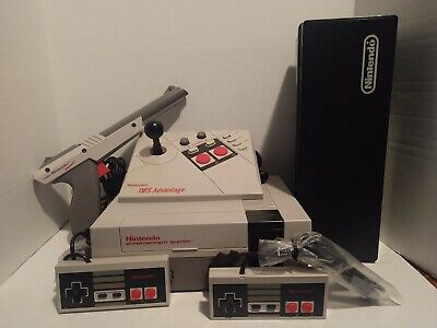 NES Action Set Console Bundle w/ 18 games. Read description. Great condition.