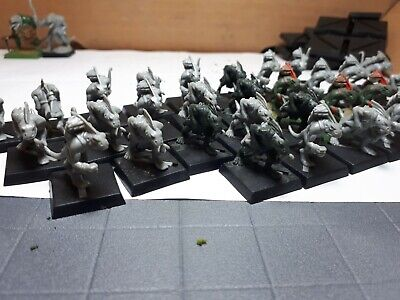 Warhammer Fantasy Hombres lagarto Lizardmen SAURIOS Y ESLIZONES PACK segunda mano  Castelló