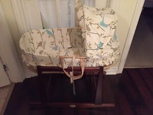 Jolly jumper Moses bassinet