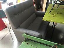 Free retro couch Sunshine North Brimbank Area Preview