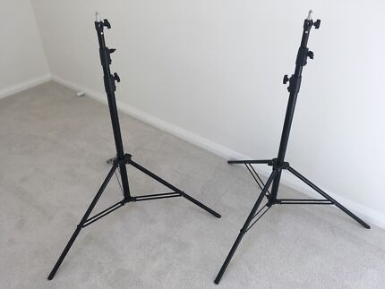 Xlite air cushioned 2.8m  Studio light stands x2 with carry case